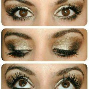 *NEW* Younique Confident Eye Pigment (smoky)